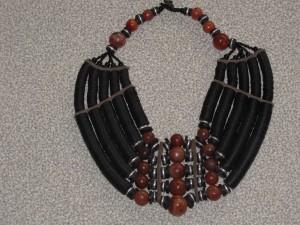 ce collier est vente sur le site